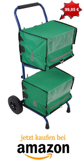 Zeitungswagen mit grünen Zeitungstaschen